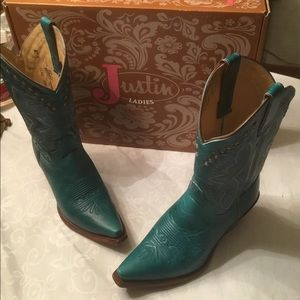 Justin Ladies Turquoise cowboy boots